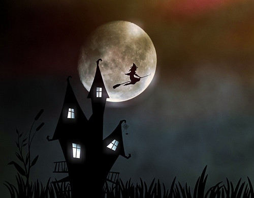 Witchshousepixabay