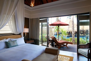 St_regis_lagoon_villa_1_bedroom_bed