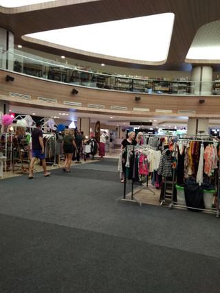 Main_atrium_04_sep_1028_lippo_mall