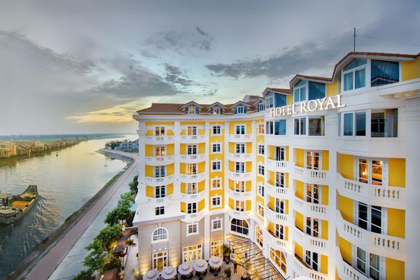 Hotel_facade_3