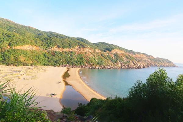 Phu_yen_mon_beach_1_2