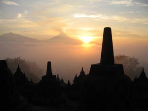 Borobudursunrise1