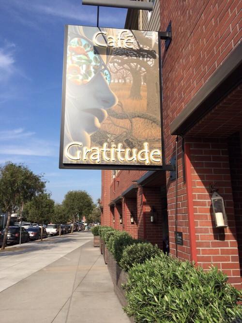 Cafe_gratitude_outside