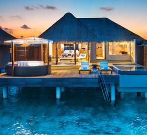 Fabulous_overwater_oasis