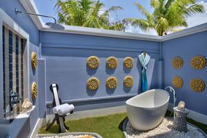 Saii_lagoon_bathtub