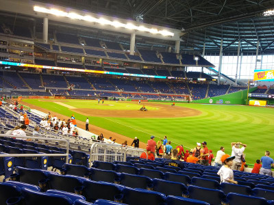 Marlins_park_int