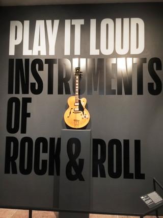 Play_it_loud_1_2