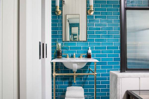 Bathroomfront