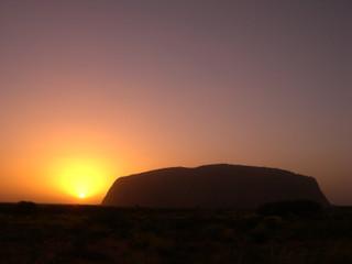 Uluru_sunrise2