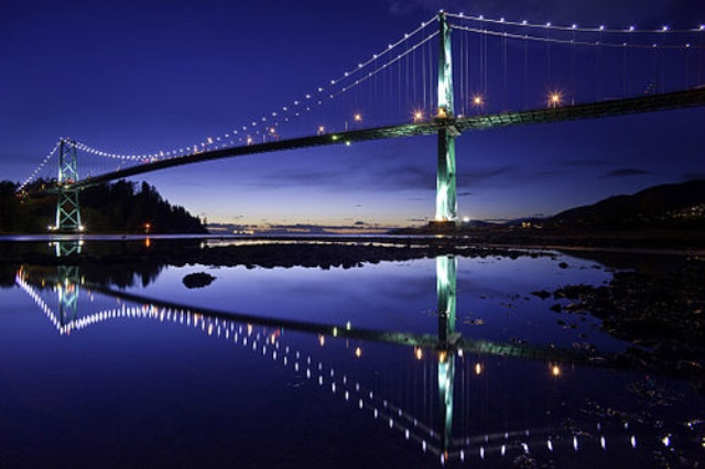 500pxlions_gate_bridge_led_lights_c