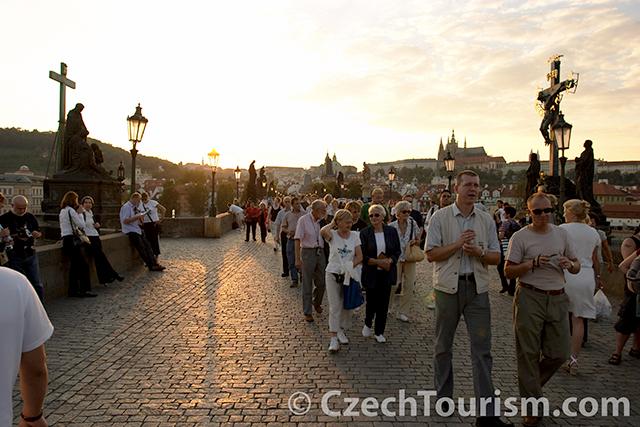 Praha__karluv_most__letni_odpoledne