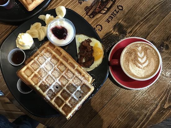 Breakfast_waffle_2
