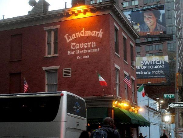 Landmark_tavern01