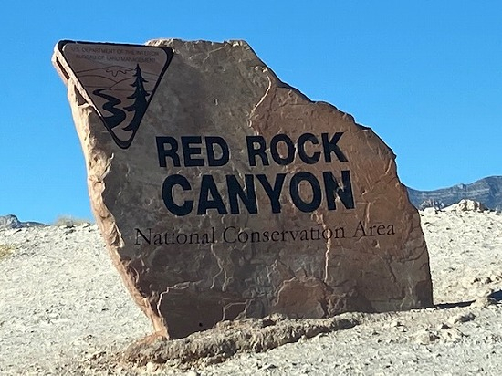 Red_rock_sign