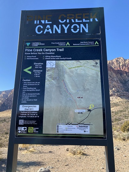 Pink_canyon_parking_sign
