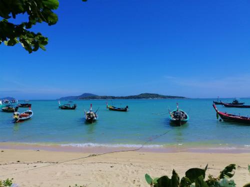 We_cafe_rawai_beach5