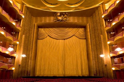 Auditorium_wagner_curtain_1024dcj_2