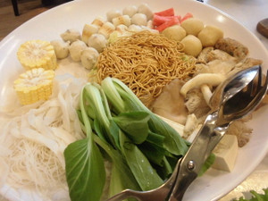 Noodle_vegetable_fish_balls