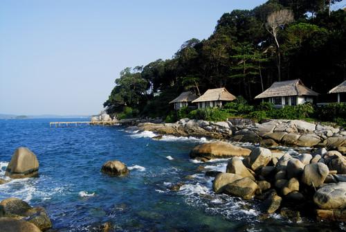 R_ocean_villa_on_the_rock